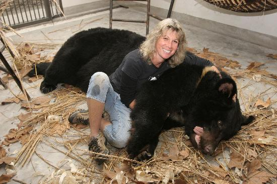 Jill Robinson with a rescued moon bearn