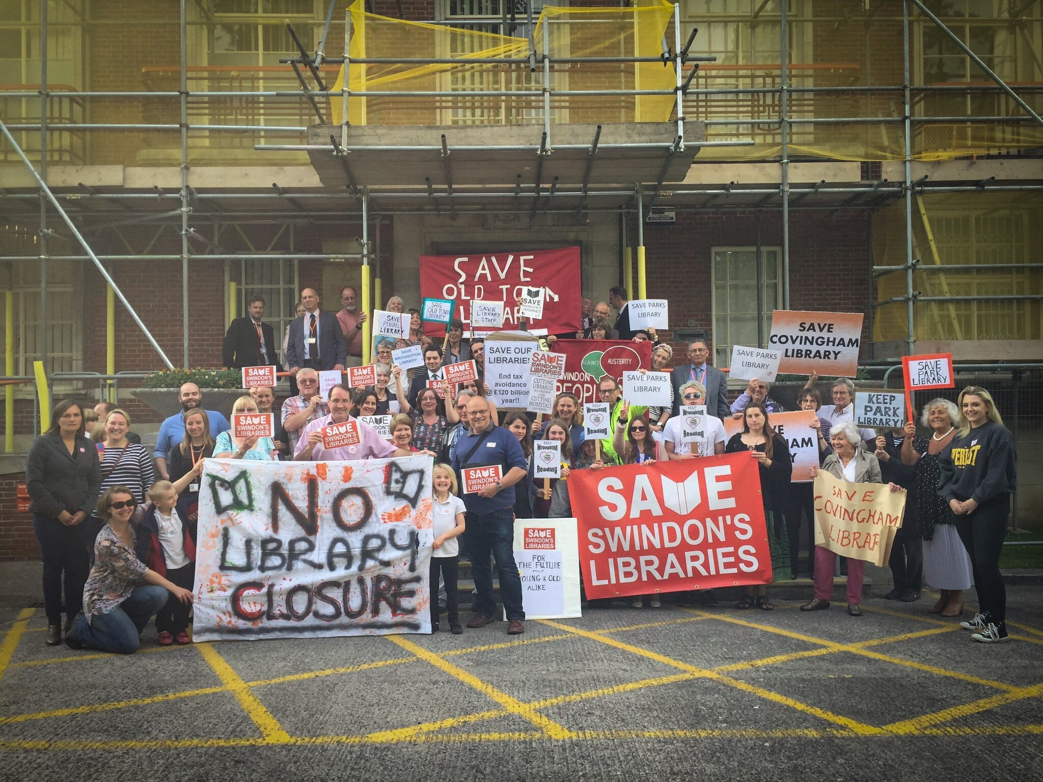 Library protestors with opposition councillors at a demonstration about the proposed changes