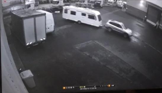 CCTV image issued in hunt for stolen caravan | Swindon