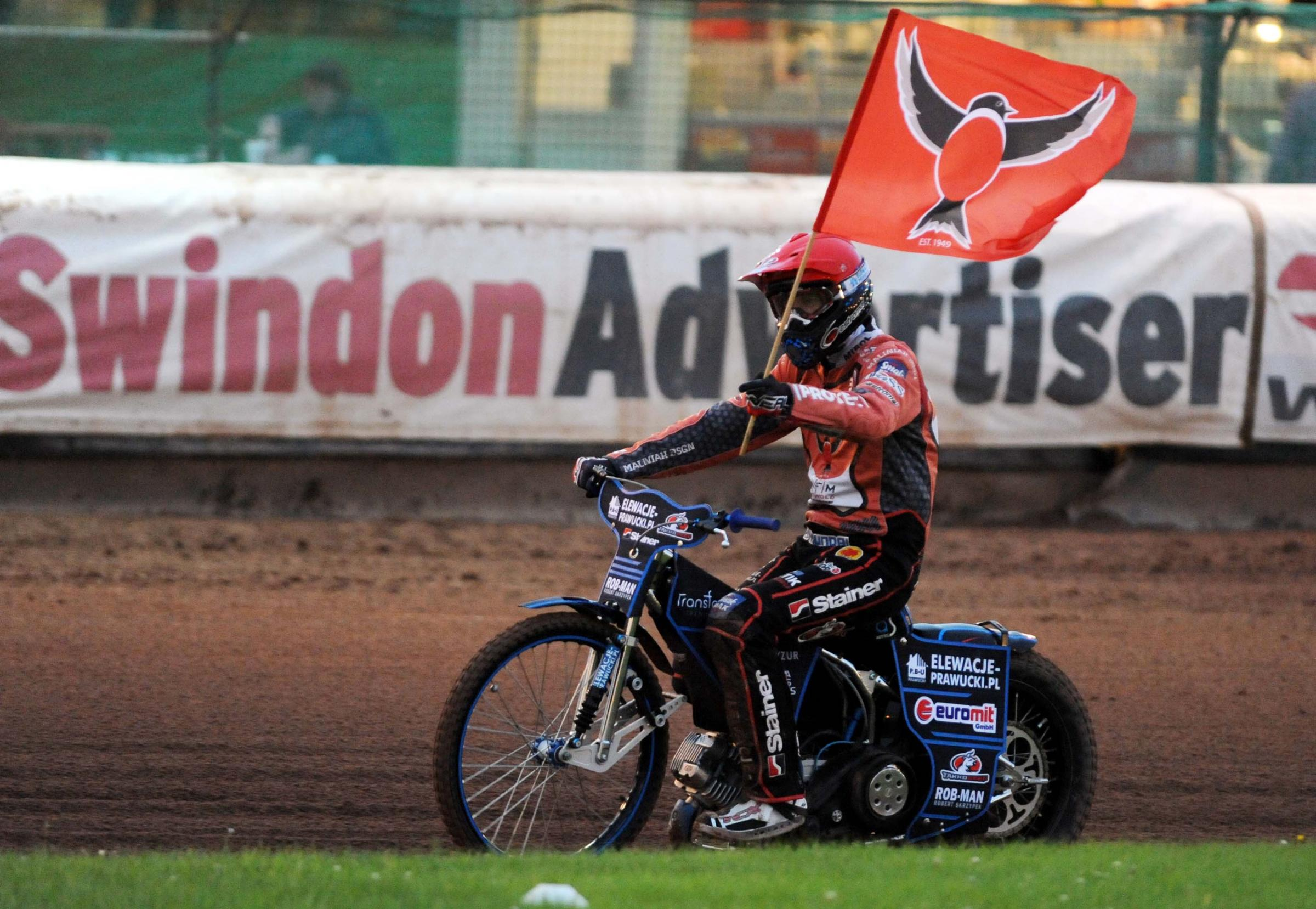 Tobiasz Musielak hopes Swindon Robins can raise the standard one more time in tonight's Grand Final second leg