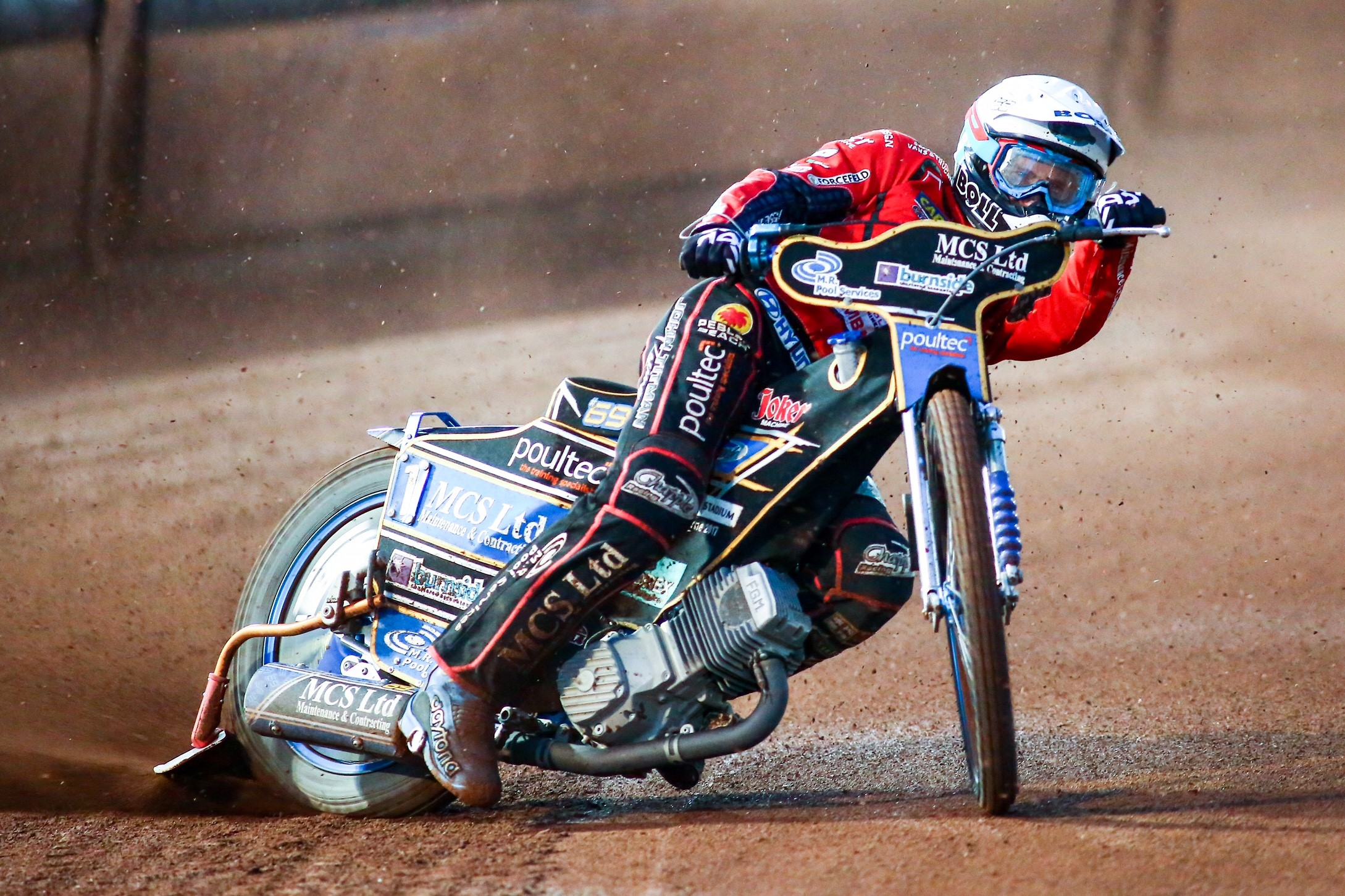 Jason Doyle riding in Swindon colours