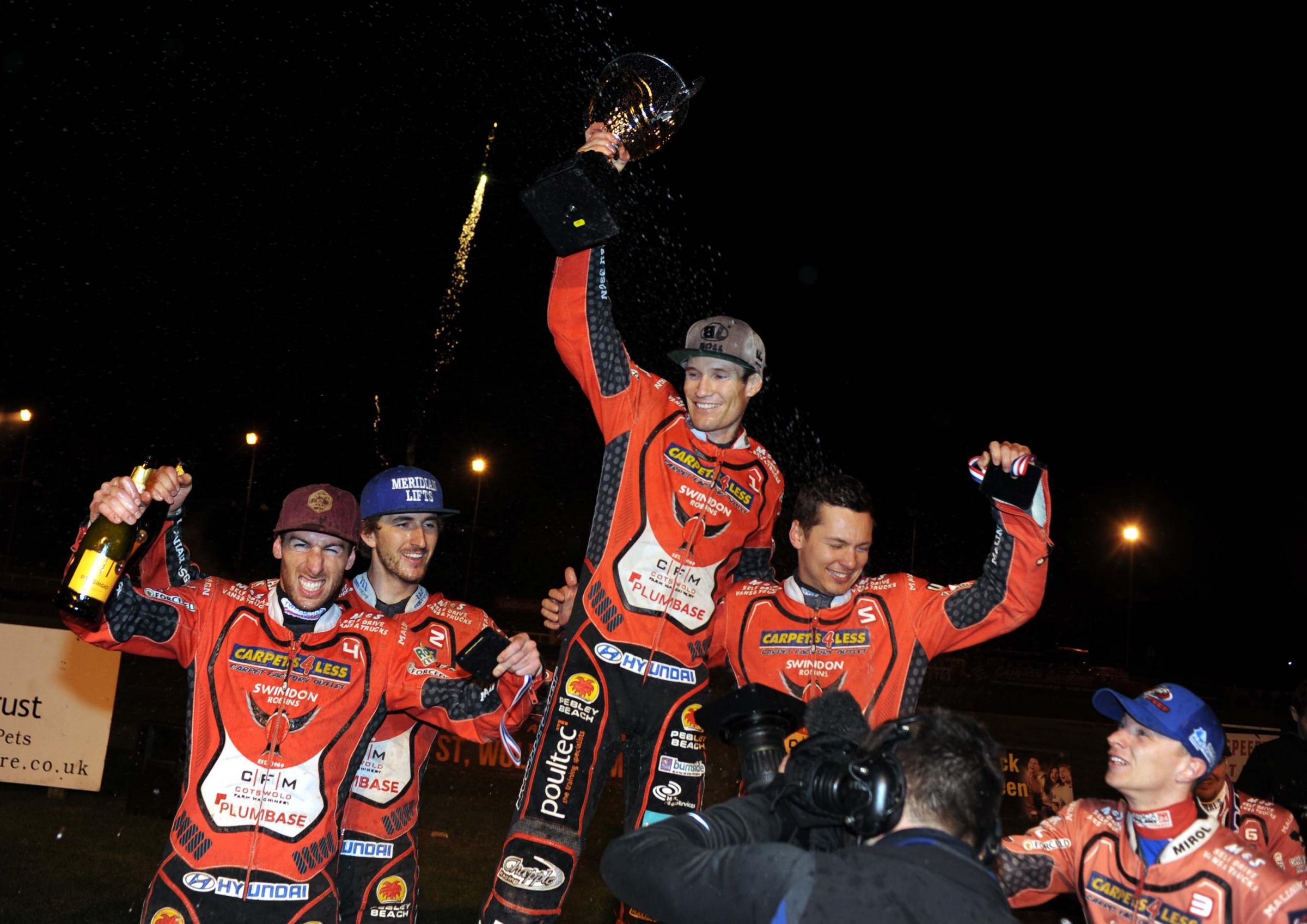 Jason Doyle lifts the SGB Premiership trophy