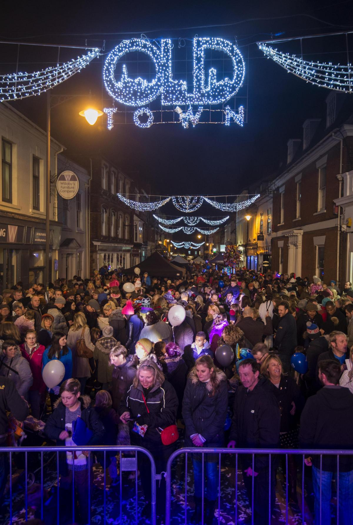 Gearing up for Old Town Christmas lights switch on 2017 | Swindon ...