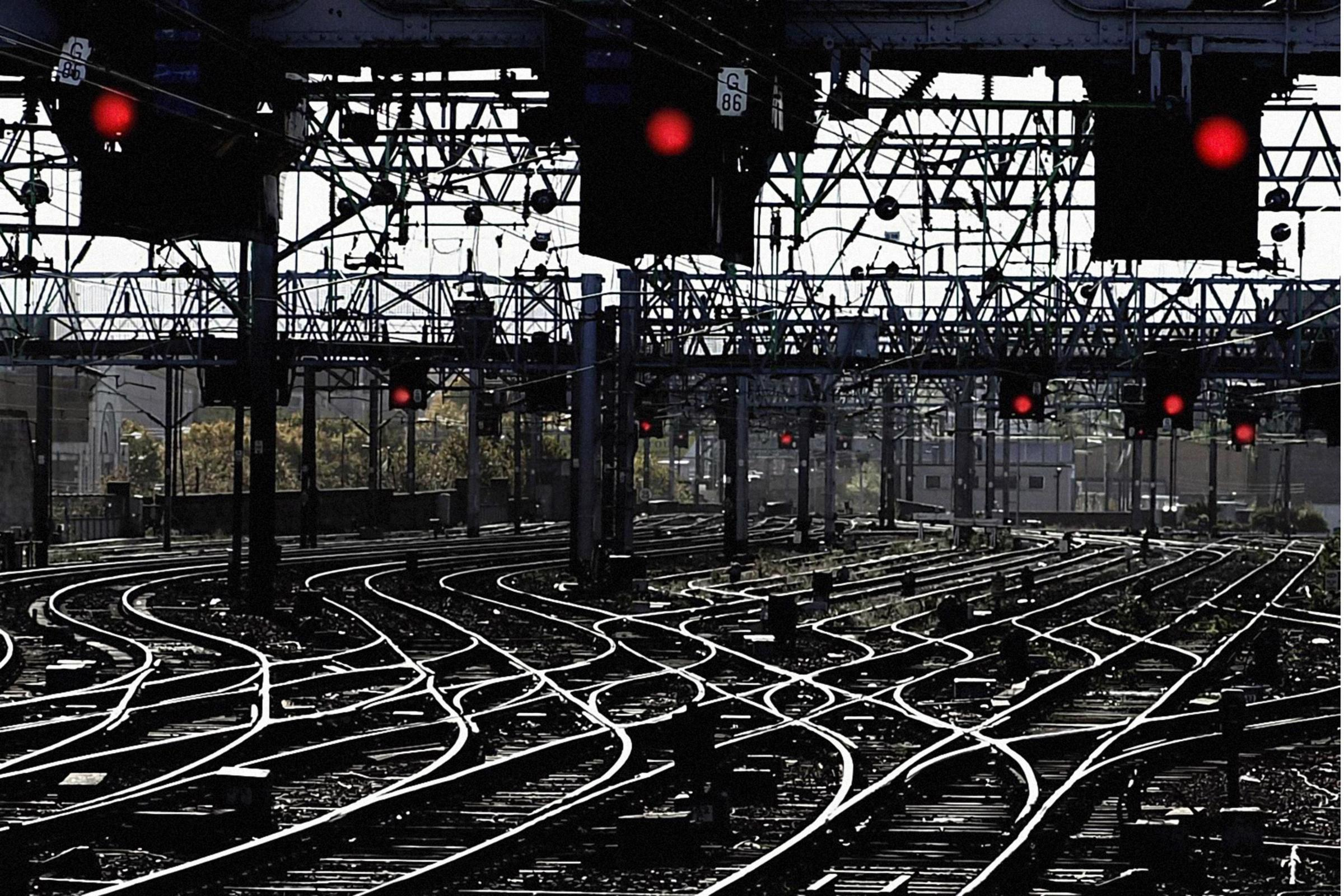 File photo dated 25/10/2000 of signal lights all turned to red, as rail lines closed during the notorious Beeching cuts of the 1960s could be reopened, the Transport Secretary has announced. PRESS ASSOCIATION Photo. Issue date: Wednesday November 29, 2017