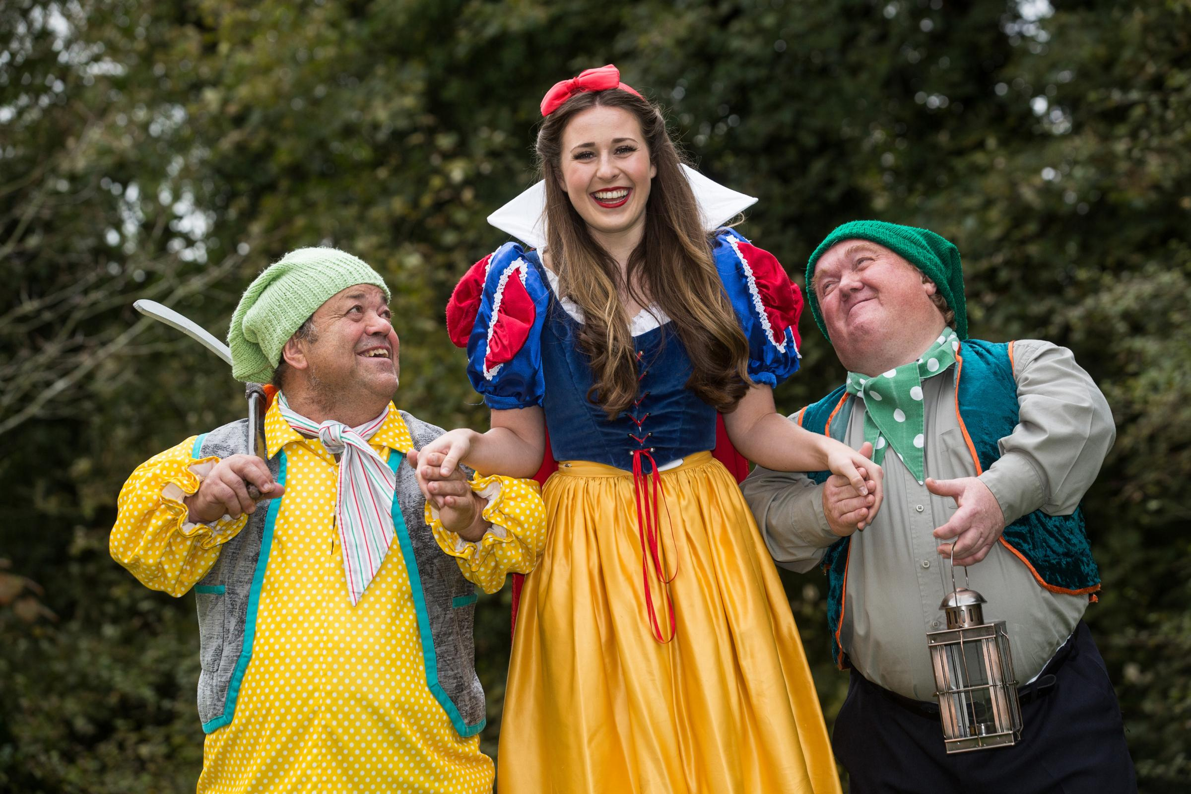 Panto time at the Theatre Royal Bath, Snow White and the seven dwarves. October 2017. Photographer Freia Turland e:info@ftphotography.co.uk m:07875514528.