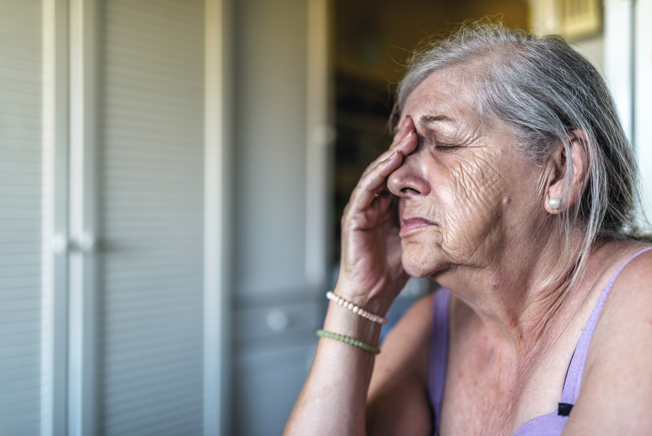 Woman who is suffering from dementia and feeling confused.  PA Photo/thinkstockphotos.