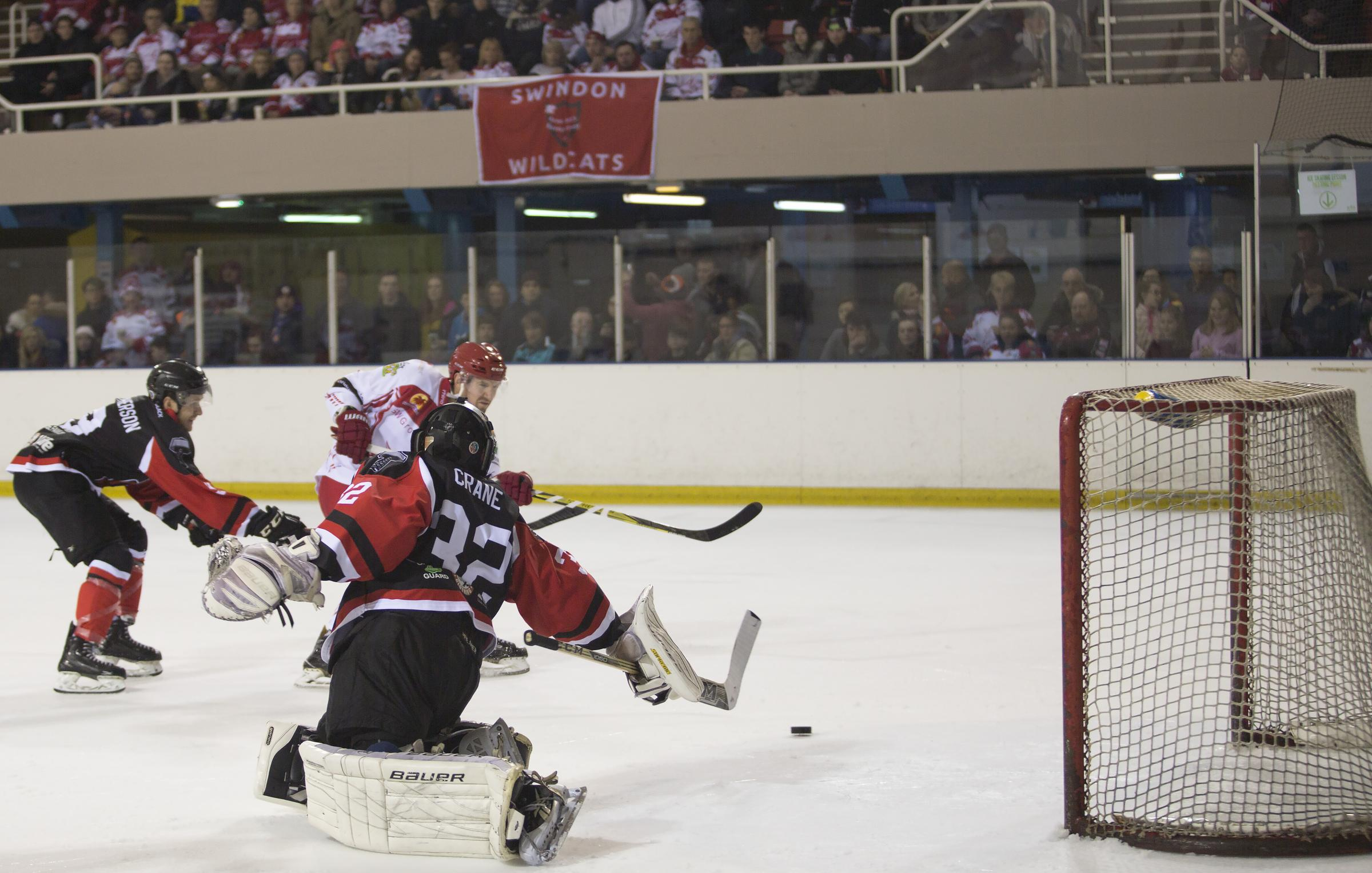 Phil Hill was on target twice for Swindon Wildcats tonight (Picture: RYAN AINSCOW)
