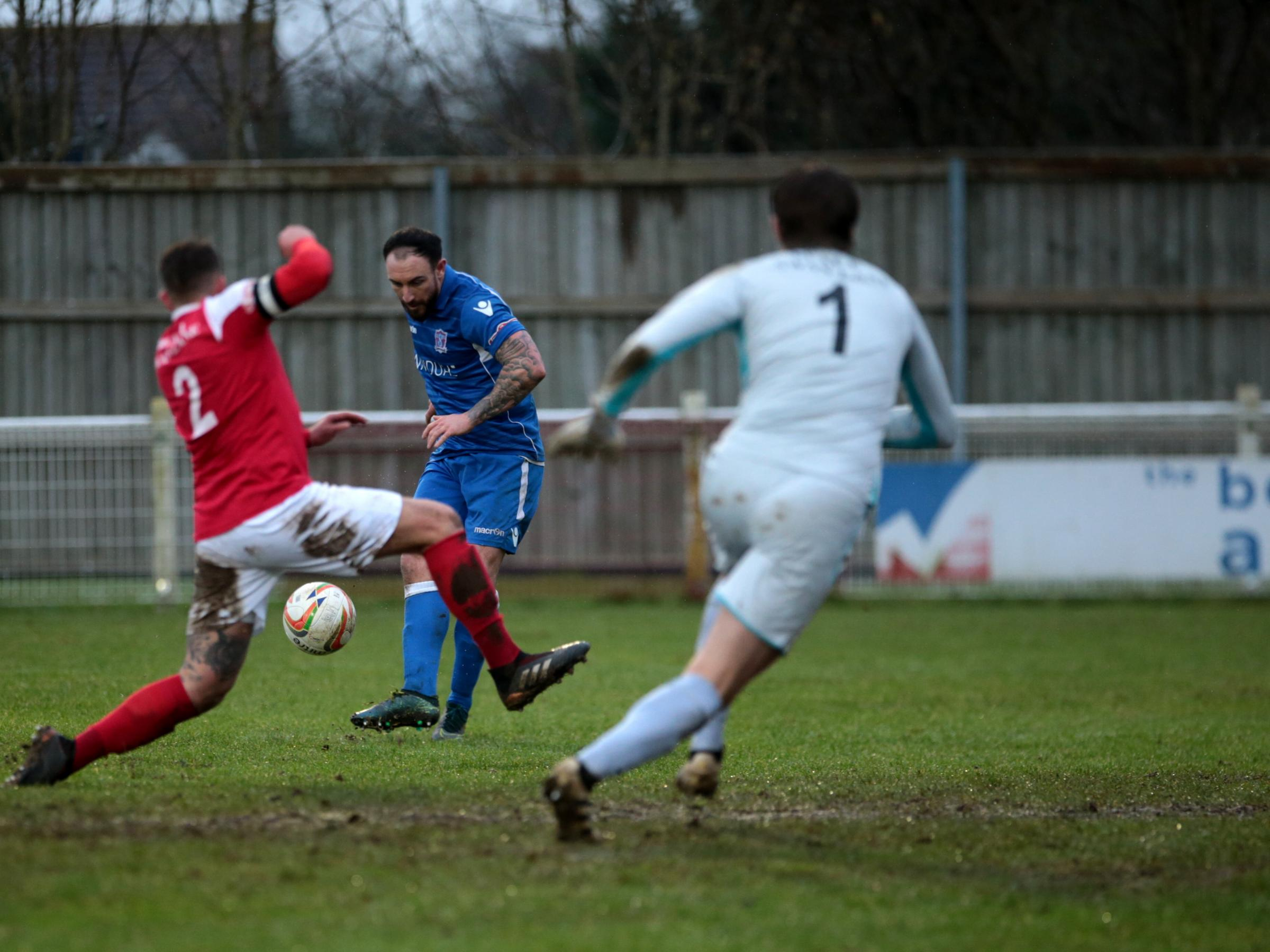 Marine's Brad Gray gets cross in against Didcot (Picture: JEFF YOUD)
