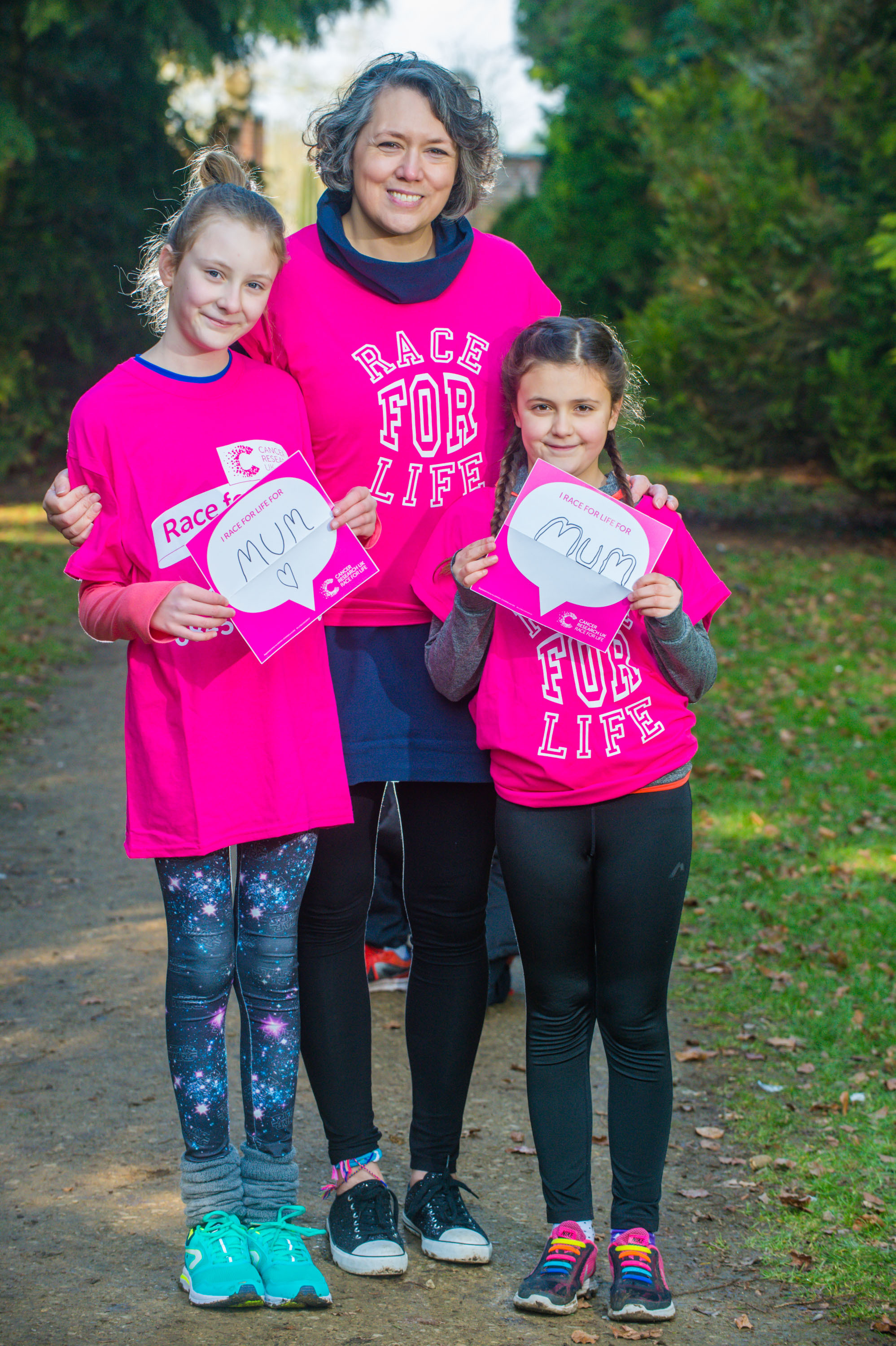 Brave Wootton Bassett Mum finishes race for life after her own cancer battle