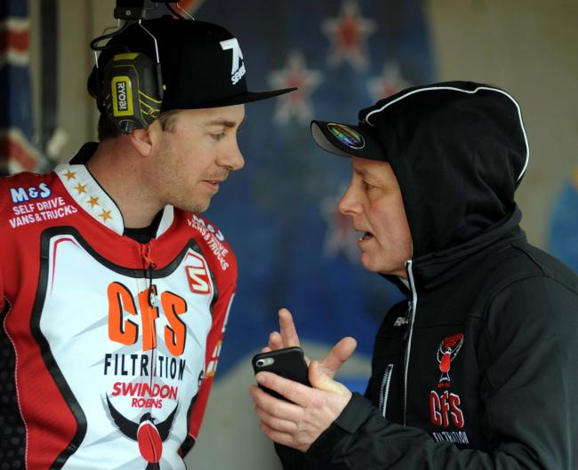 Swindon Robins' press day.     Pic Dave Evans   15.03.18.Alun Rossiter chats with returning Robin Troy Batchelor..