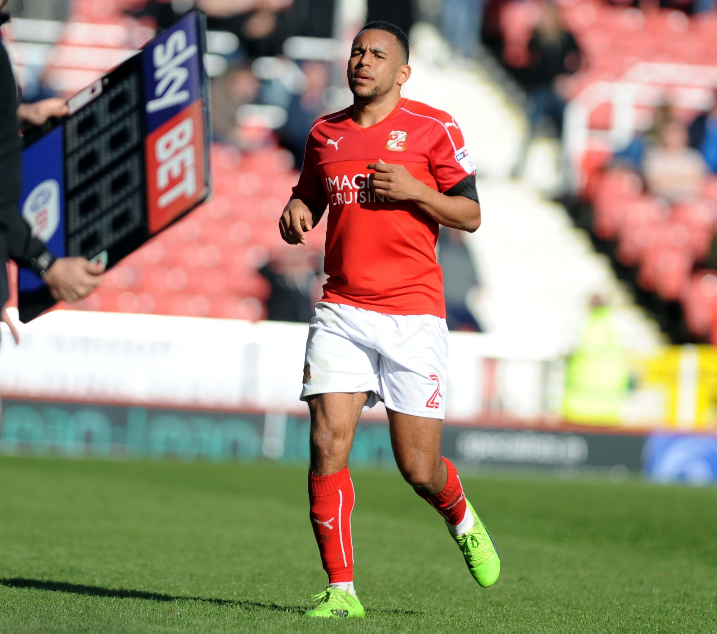 STFC v Millwall          Pic Dave Evans        25.03.17.Swindon skipper Nathan Thompson substituted..