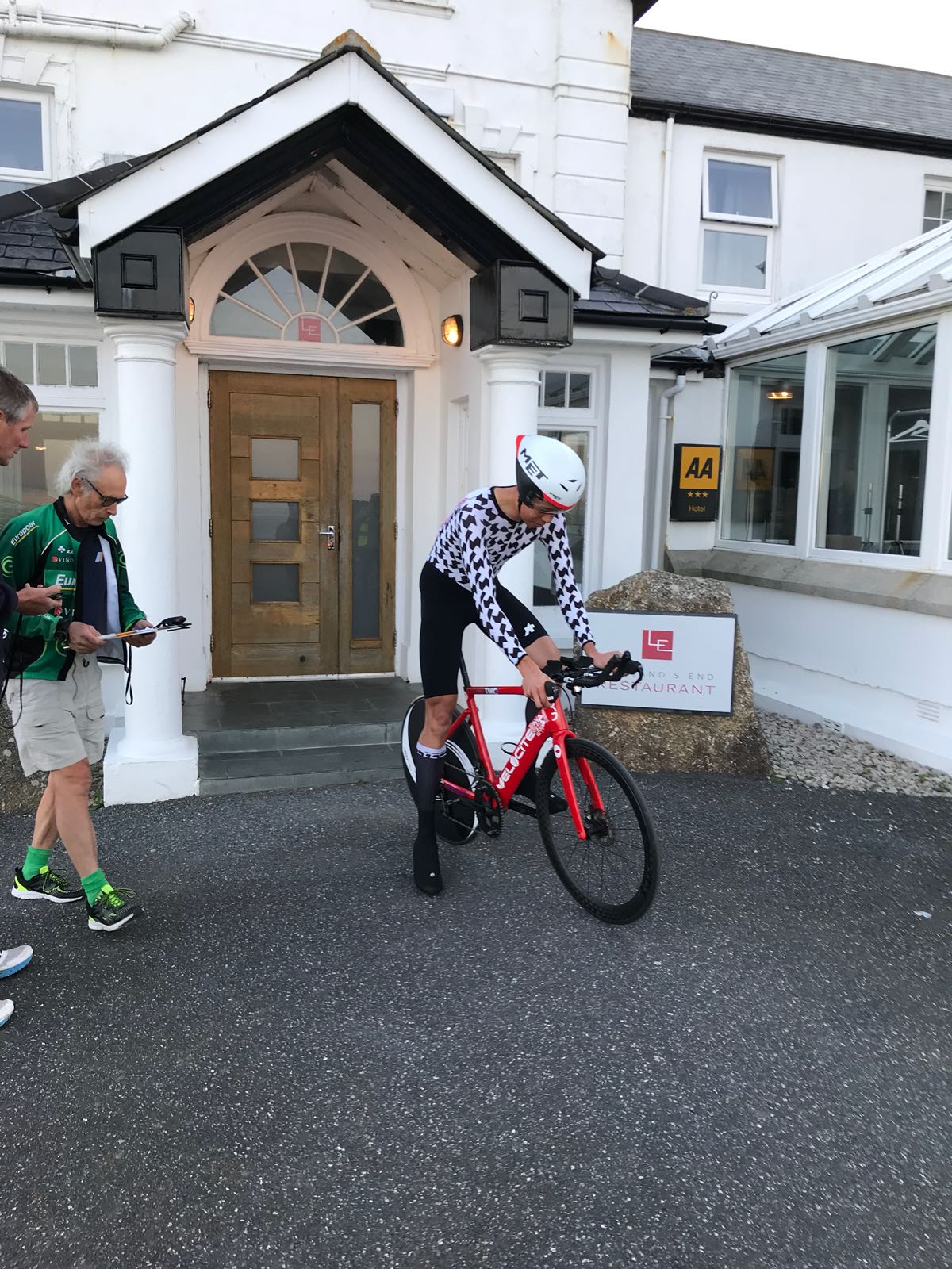 WATCH the moment cyclist Ian To set off on 840 mile record bid