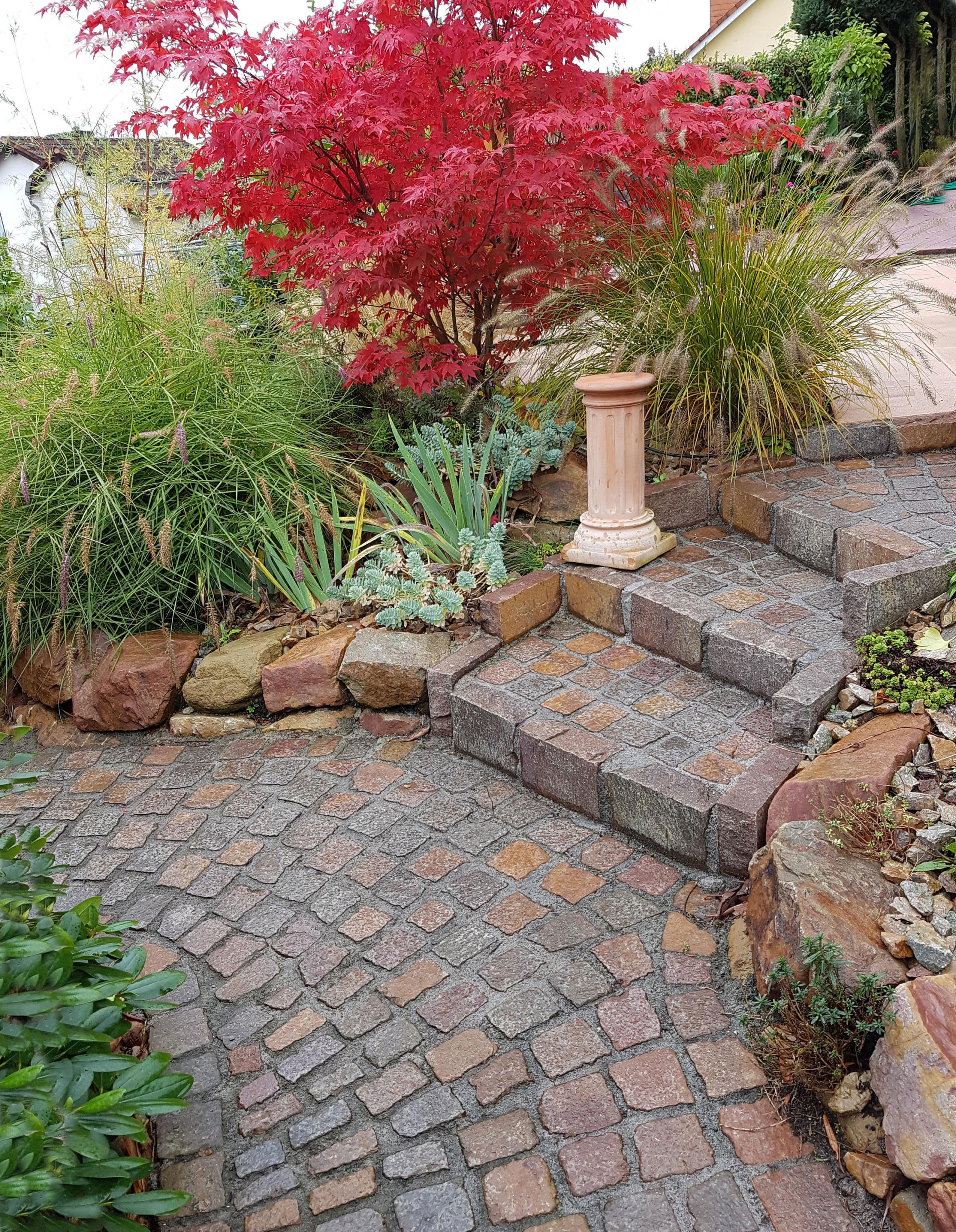 Undated Handout Photo of a winding path. See PA Feature GARDENING Wellbeing. Picture credit should read: Thinkstock/PA. WARNING: This picture must only be used to accompany PA Feature GARDENING Wellbeing..