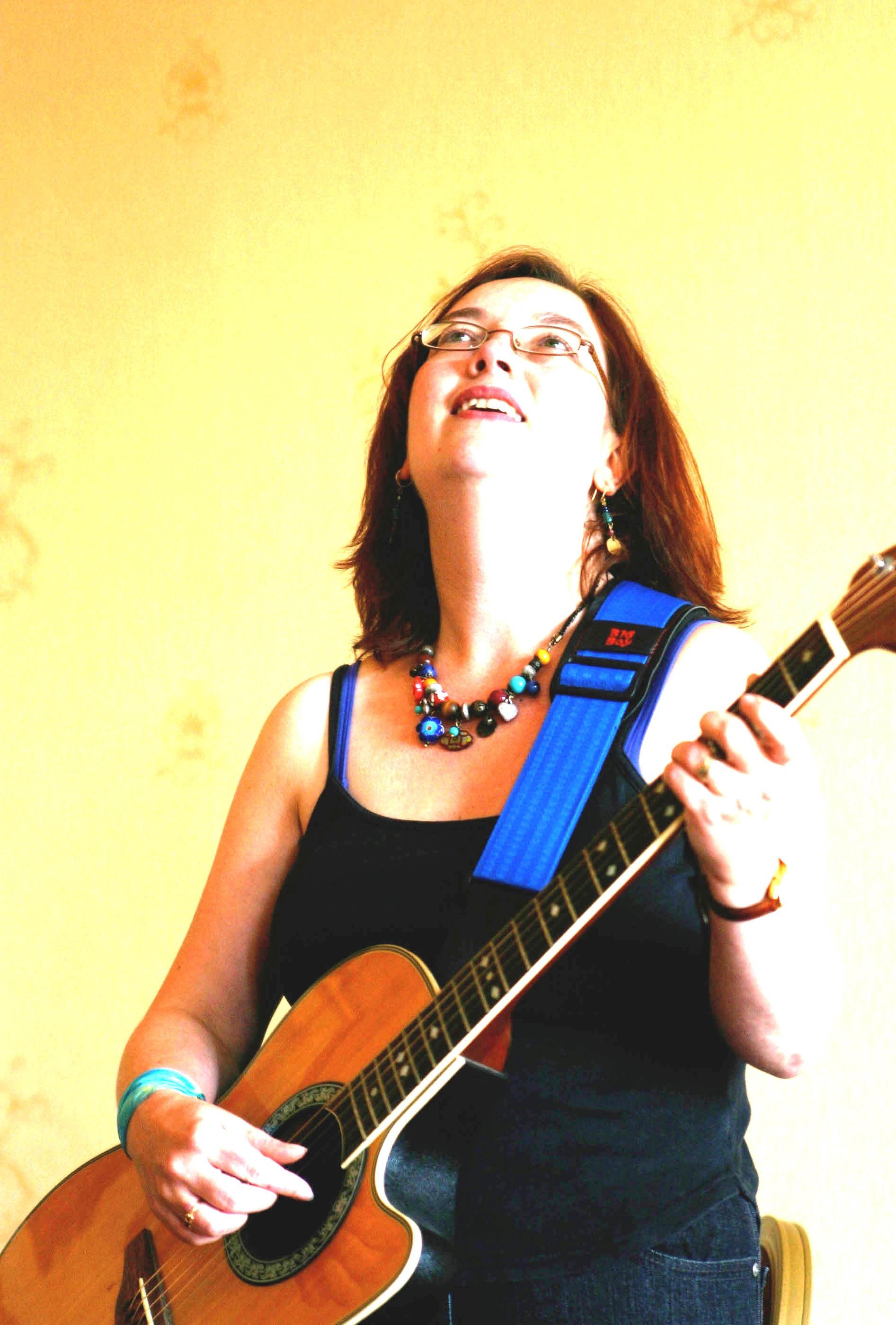 Folk music from  Talis Kimberley
