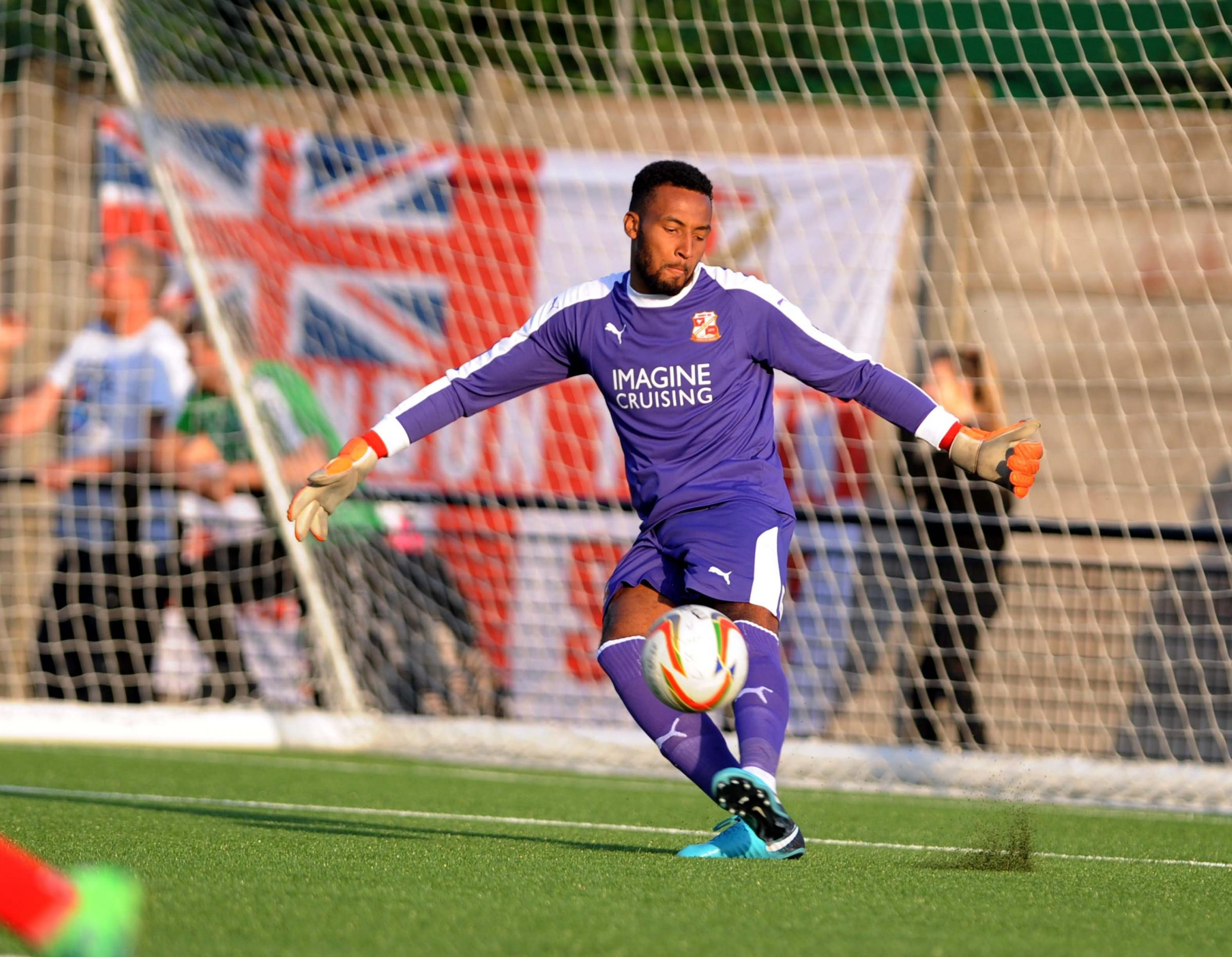 Cirencester v STFC          Pic Dave Evans     4.7.18.Lawrence Vigouroux back between the sticks.