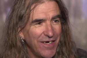 Justin Sullivan from New Model Army rocks in to Swindon for solo gig Read more here...