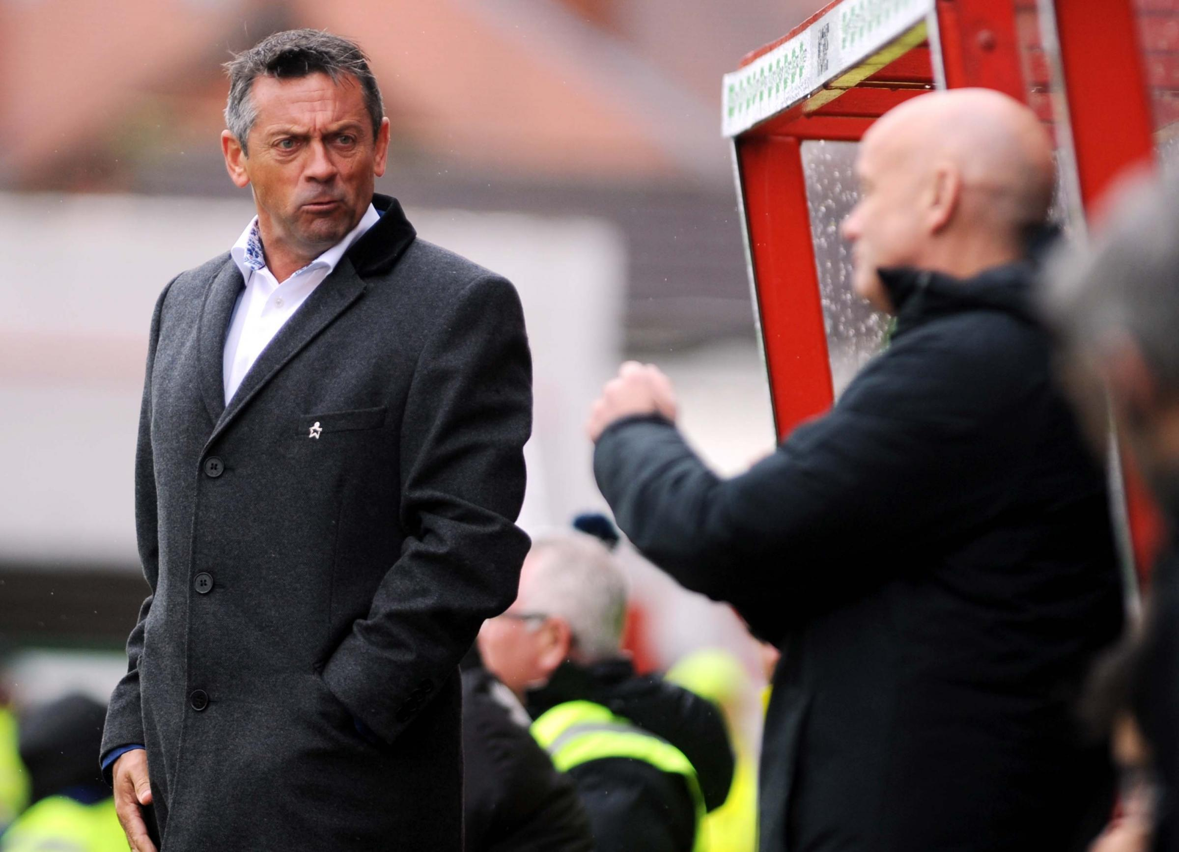 STFC v Northampton       Pic Dave Evans       6.9.18.Phil Brown exchanges views with the fourth official..