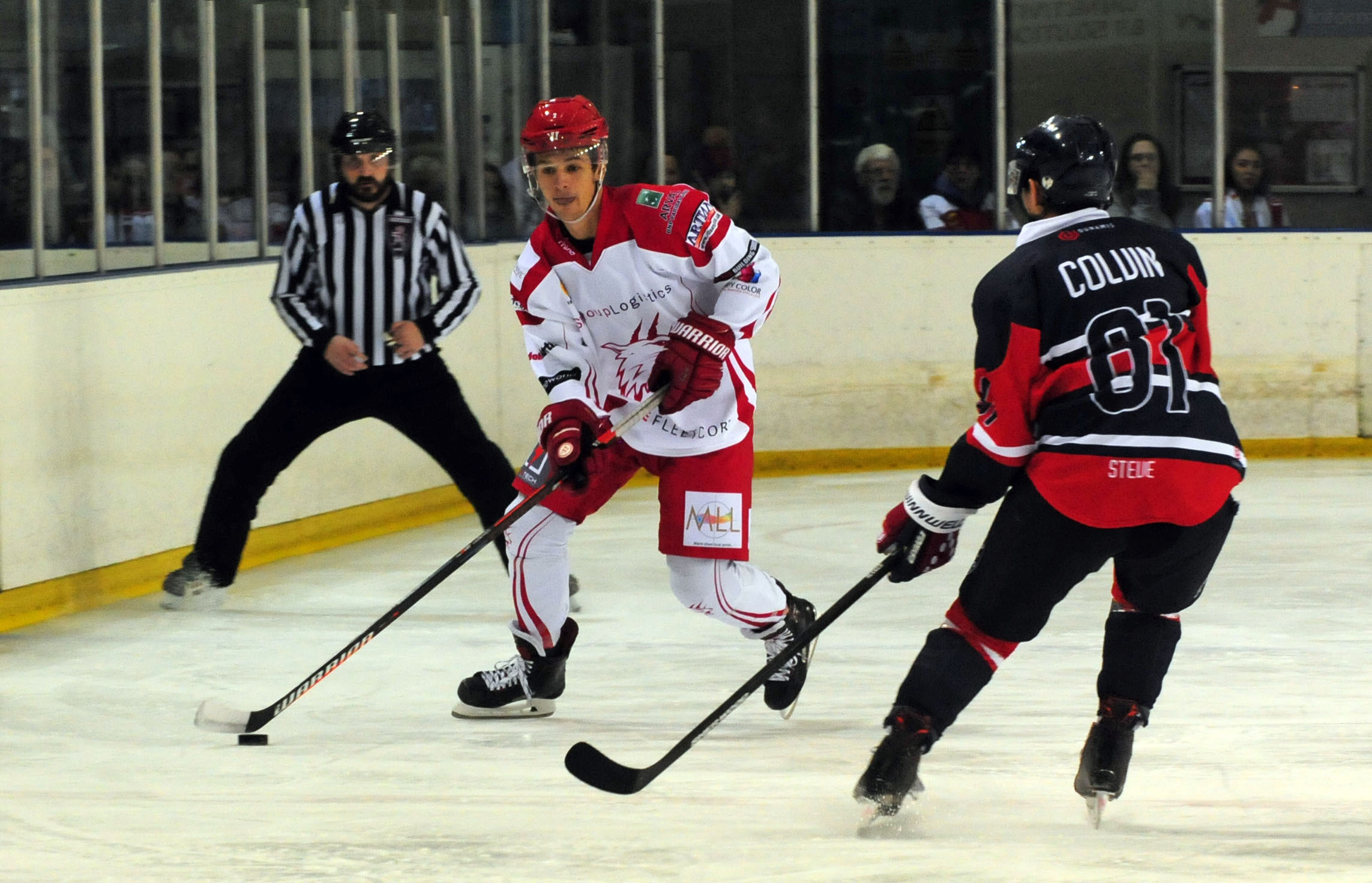 Swindon Wildcats (red/white) v Invicta Dynamos (red/black). Pic shows Sam Jones for Swindon.