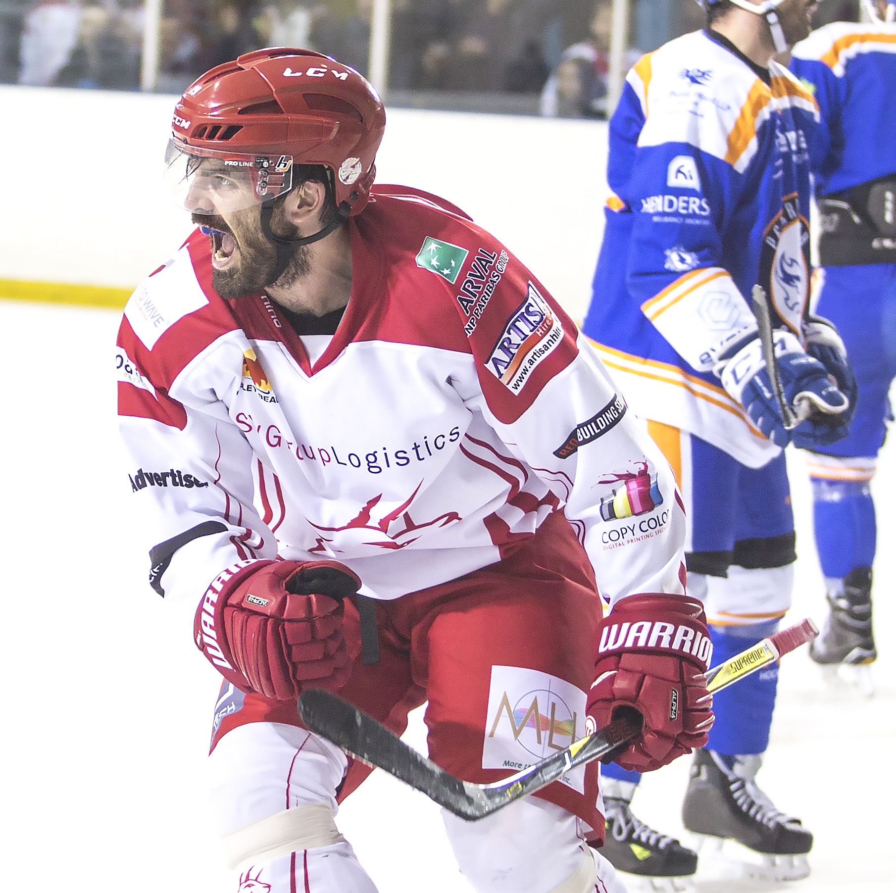 Swindon Wildcats Vs Peterborough Phantoms, Aaron Nell cheers after Cats score through jan kostal, Picture Ryan Ainscow 09.11.18.