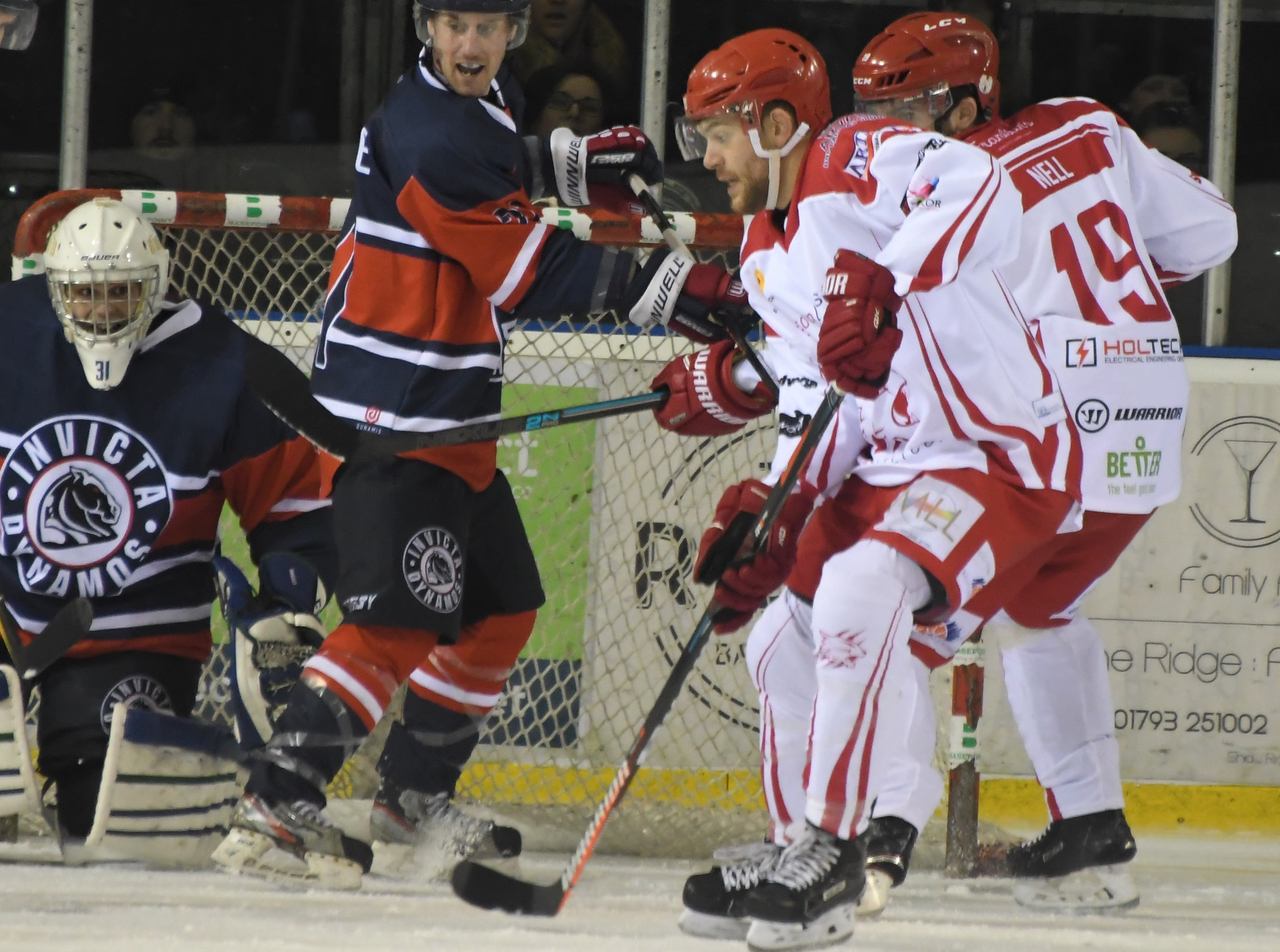 Aaron Nell and Sam Bullas struggled to break down a determined Invicta Dynamos side last weekend.                                                            PHOTO: CALYX.