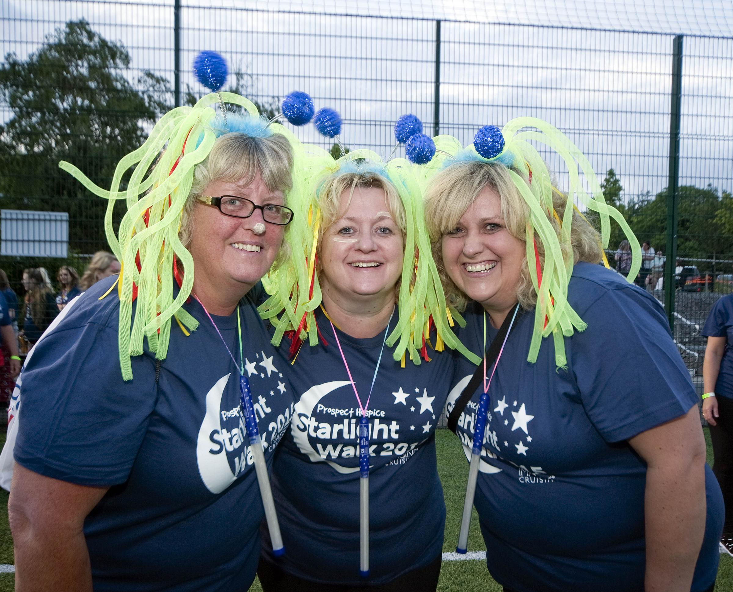 ©Calyx Pictures..Starlight Walk.5K walkers.Julie JonesRachel KellyNicki Taylor.
