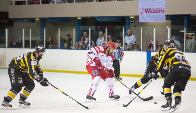 Swindon Wildcats Vs Bracknell Bees, aaron nell in action , Picture Ryan Ainscow, 09.02.19.
