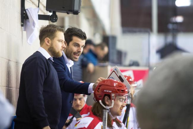 Swindon Wildcats player-coach Aaron Nell provides instructions to his side from the bench                                                                                                                                 Picture: RYAN AINSCOW