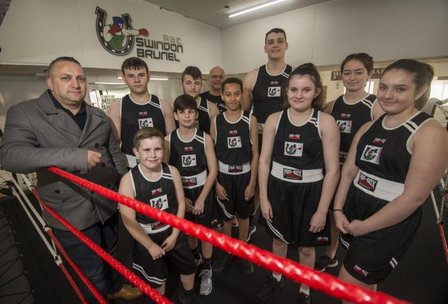 Swindon Brunel ABC have been able to purchase a set of new club kit thanks to the help of sponsor Kevin Metcalf (far left)                  Picture: WWW.CLAREGREENPHOTOGRAPHY.COM