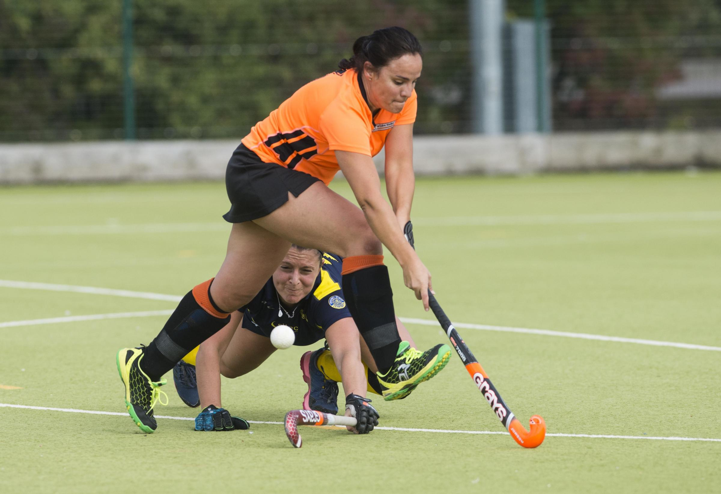Swindon Hockey v TeamBath BUCCS 2.Pictured Swindon Player Adriane Boullosa.30/09/17.Pictures Clare Green/ www.claregreenphotography.com.