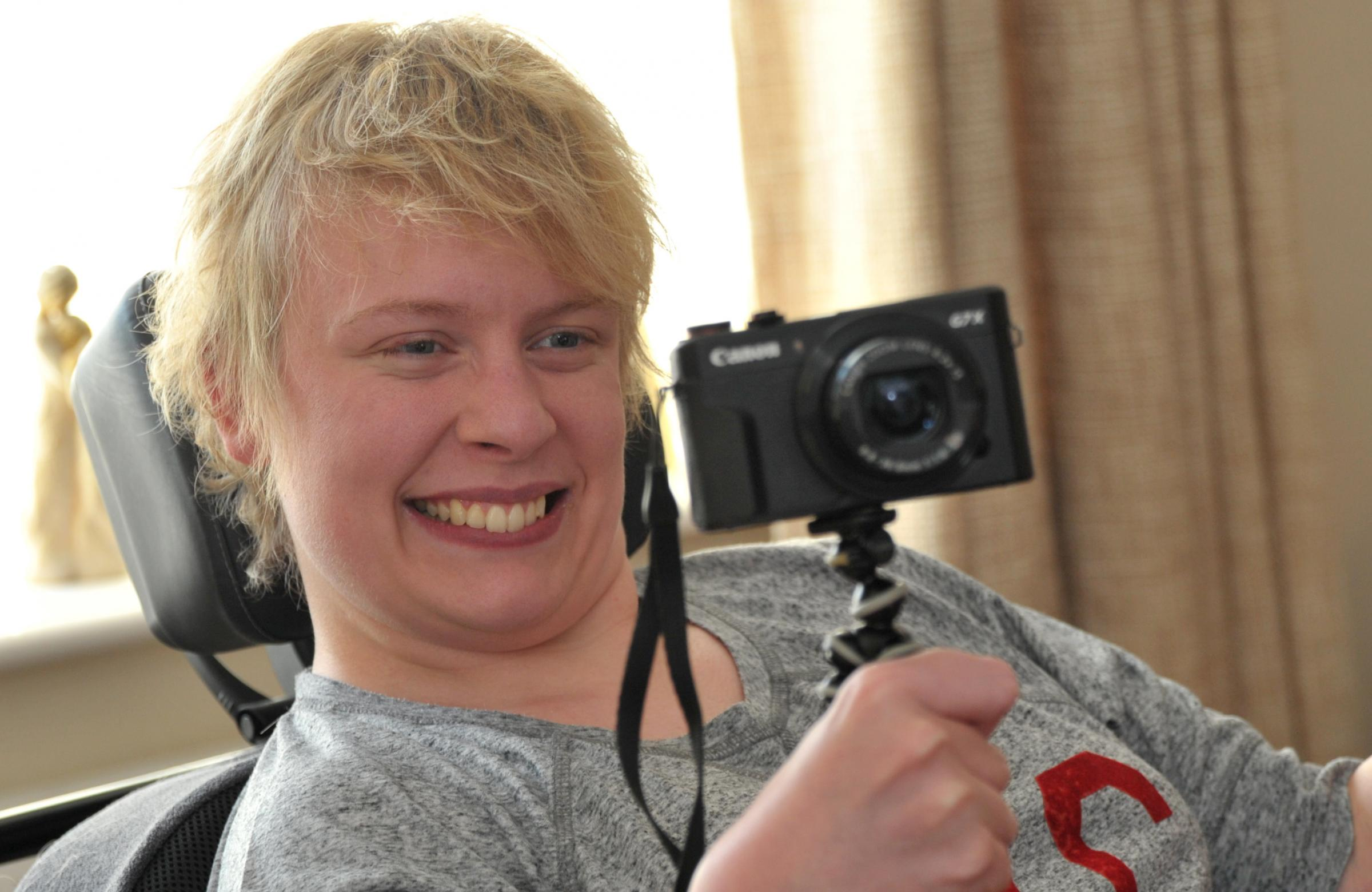 Swindon College graduate with cerebral palsy sets up The Life of Lauren blog