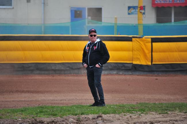 Swindon Robins team manager Alun Rossiter has backed his side to deliver the goods in Ipswich tonight.                                                                                         PICTURE: Shaun Reynolds