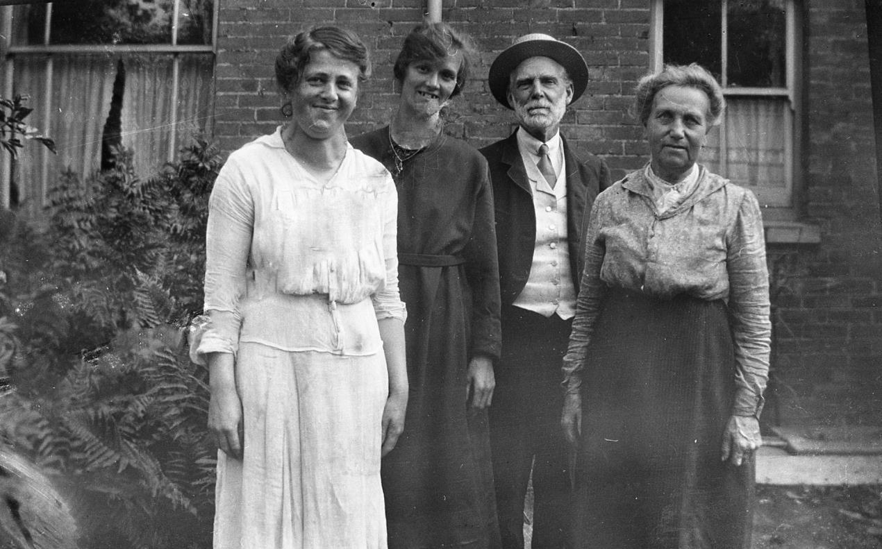 Swindon Central Library to host free family history workshop with the Wiltshire Family History Society