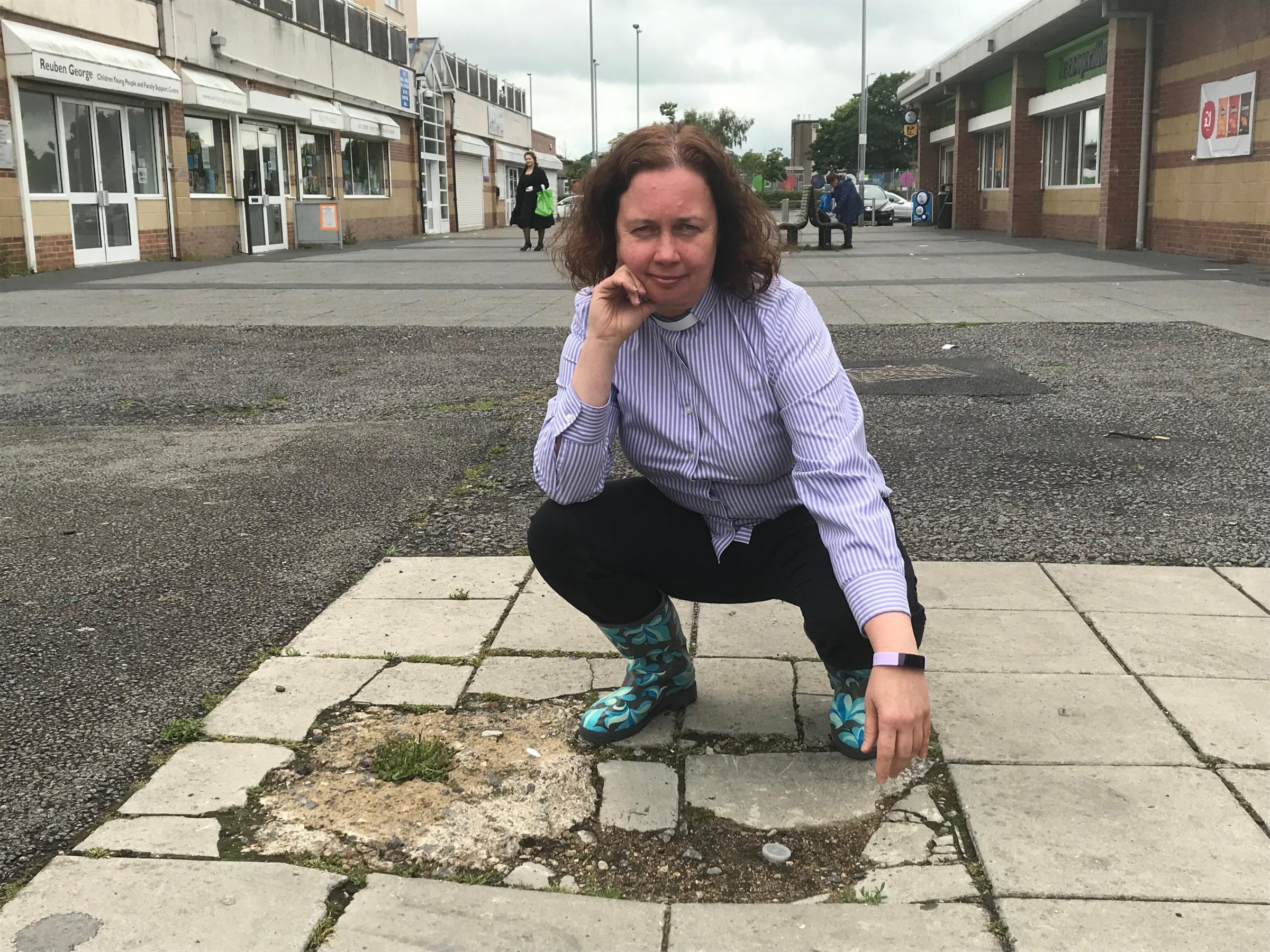 Lawn vicar calls on council to fix up Cavendish Square